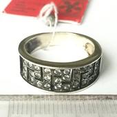 Новое красивое серебряное кольцо с фианитами Серебро 925 пробы