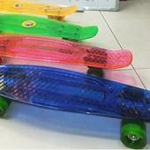Скейт пластиковый, pu колеса диаметром 58мм размер подножки  47*15см  4 цвета.арт BT-YSB-0009