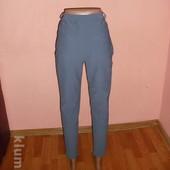 укороченные брюки,р-р 40 капри,цвет насыщенный