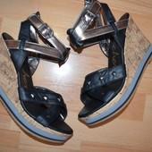Босоножки фирмы Skechers  с размер 39 40