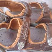 Шкіряні сандалі 39-40 р.