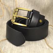 Кожаный мужской ремень гладкий R-01 (желтая пряжка)