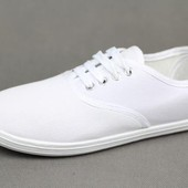 Мокасины  белые на шнурке