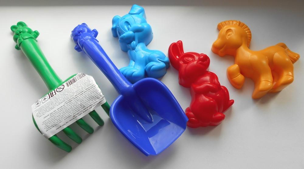 Песочные наборы для ваших малышей: пасочки, лопатки, грабельки фото №1