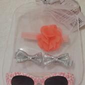 Новый детский набор солнцезащитные очки, заколочки и резиночка  Картерс. Carters.