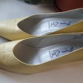 Туфлі Brenda Zaro (нові), р.38,5