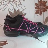 Брендовые кроссовки для модниц Capezio. Оригинал. Размер 35