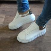 Хит - 2016 белые кроссовки золотистая пяточка