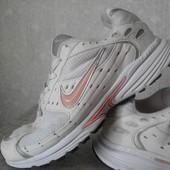 Кроссовки  Nike (оригинал)р.40-25.5см