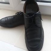 Ціну знизила! Фірмове шкіряне взуття 43 р.