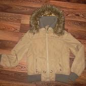 Куртка с капюшоном на рост 146-152 см.