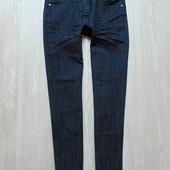 Стильные лёгкие джинсы для девочки. Сзади карманы декорированы пайетками. Fashion. Размер 10 лет