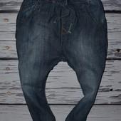 2 - 3 года 98 см Очень классные фирменные легкие джинсы брюки узкачи Next некст