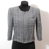 Жемчужно-серый пиджак из эффектного материала  JC23029