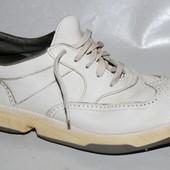 Кроссовки на шипах 39 р Adidas кожа оригинал