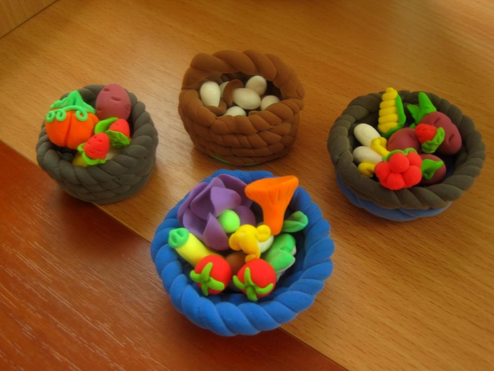 Корзинки с мини-продуктами для игр в огород или для барби. одна на выбор. фото №1