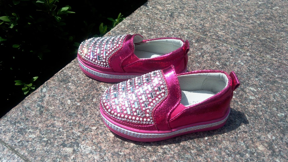 Слипоны мокасины туфли для девочки с камнями размер 22-13 см малиновые фото №1