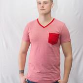 Мужская футболка в красно-белую полоску