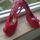 Красные замшевые босоножки Luciano Carvari