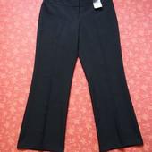 Новые женские брюки  размер 14 (L). Длина 99 см