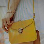 Компактная желтая сумочка на плече, новая