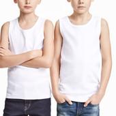 Майка белая для мальчика от H&M. Размеры 8-10, 10-12 лет.