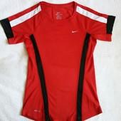 Крутая красная футболка Nike, размер XS