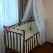 Детская кроватка с матрасом, защитой, балдахином и комплектом белья!