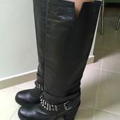 продам кожаные сапоги Bata