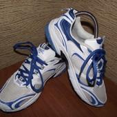 фирменные кроссовки 24 см