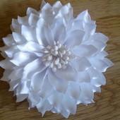 Заколка для волос хризантема на 1 сентября