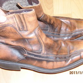 фирменные зимние кожаные ботинки на цигейке 42 р Bugatti