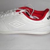(46) Шикарные кроссовки Umbro !
