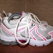 Фирменные кроссовки 23 см