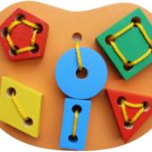 Шнуровка ключик, бусы maxi, геометрика Komarovtoys. В наличии.