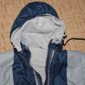Легкая курточка демисезон для мальчика 122-128 р, отл.сост