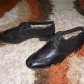 Туфлі чорного кольорушкіра Італія 28,5 см 44 розмір