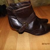 фирменные кожаные ботинки 40 р Tamaris