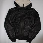 Курточка из кожзама размер L  (Pimkie) нюанс!