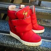 Сникерсы Ботинки ZaNti красные . Натуральная кожа, внутри байка. Скрытая танкетка 7см.