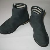 Демисезонные ботинки Mothercare. Размер 9(26,5)