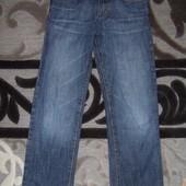 Хорошие прямые джинсы  H&M  146 р.