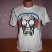 продам фирменную футболку в иденальном состоянии