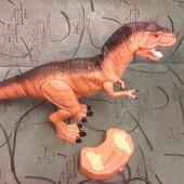 Фирменный денозавр