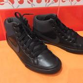 Кроссовки высокие Nike р.40 (6), Вьетнам, натуральная кожа,