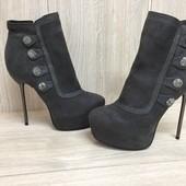 Женские Демисезонные ботинки  37р.