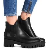 Демисезонные ботинки с замочком сзади на тракторной платформе