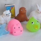 Пищалки 12 шт всевозможные животные для ванной и песка