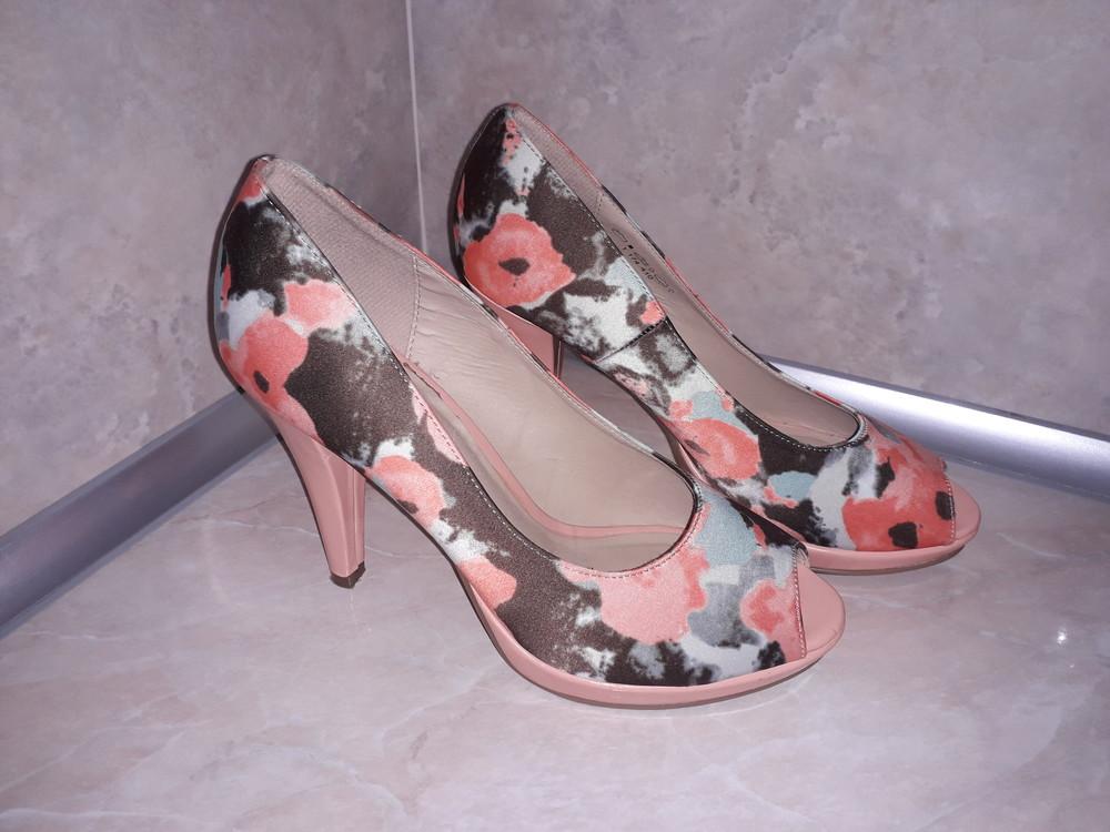 фирменные туфли Graceland фото №1