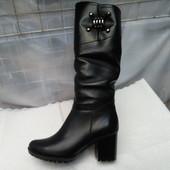 Зимние кожаные сапоги на среднем каблуке пряжка